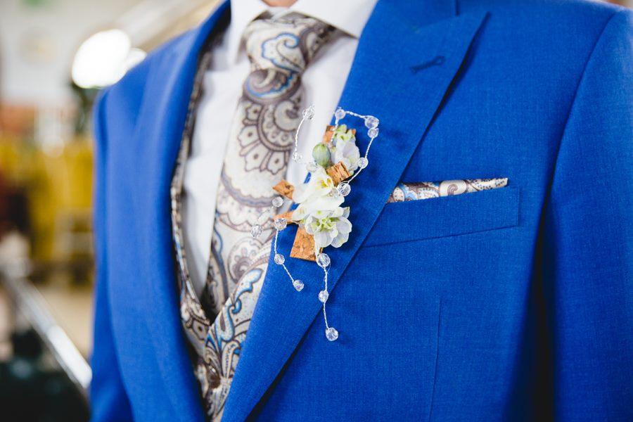 stropdas met print maatpak corsage